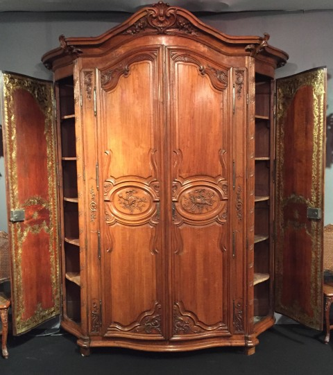 achat vente armoires monumentale armoire de chasse le de france poque r gence vers 1720 1730. Black Bedroom Furniture Sets. Home Design Ideas