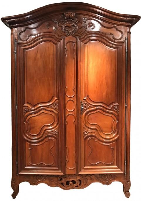 achat vente armoires petite armoire de mariage en noyer n mes d but de l poque louis xv. Black Bedroom Furniture Sets. Home Design Ideas