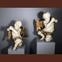 Paire d'anges adorateurs en bois sculpté, Provence vers 1700 Sculptures
